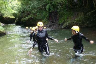 aqua rando au pays basque faire une randonnée aquatique au pays basque